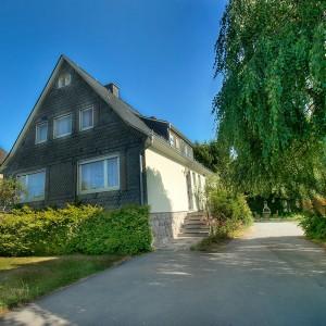 ferienhaus-paradiso-medebach-fuer-gruppenreisen-familietreffen-015